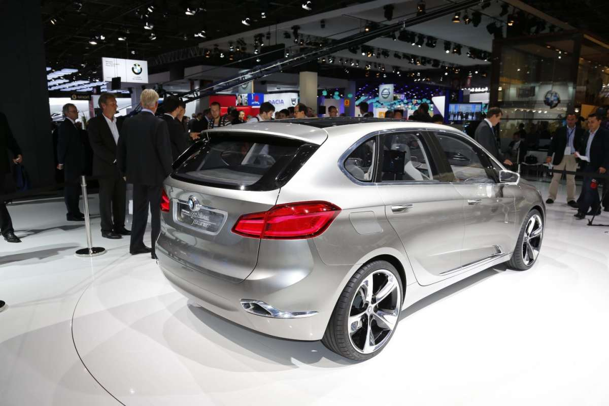 Bmw Active Tourer, Salone di Parigi 2012 (5)