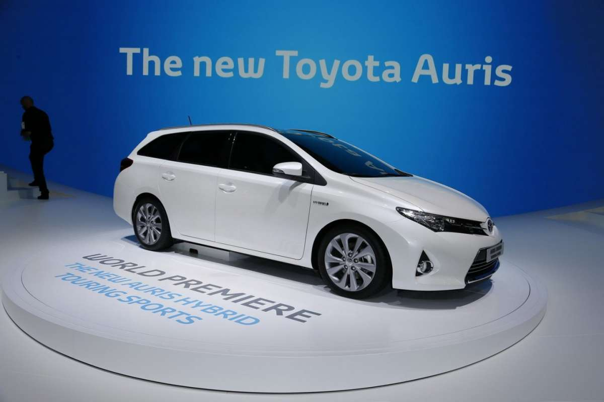 Toyota Auris Touring Sports laterale