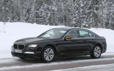 BMW Serie 7 restyling: nuove foto spia sulla neve
