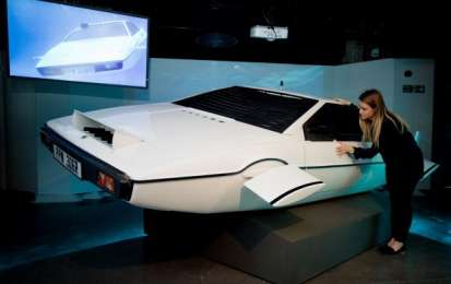 Lotus Esprit di 007 all'asta