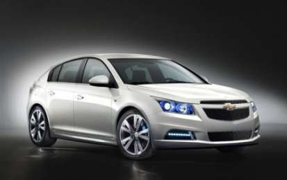 Chevrolet Cruze ibrida plug in, alternativa economica della berlina in arrivo?