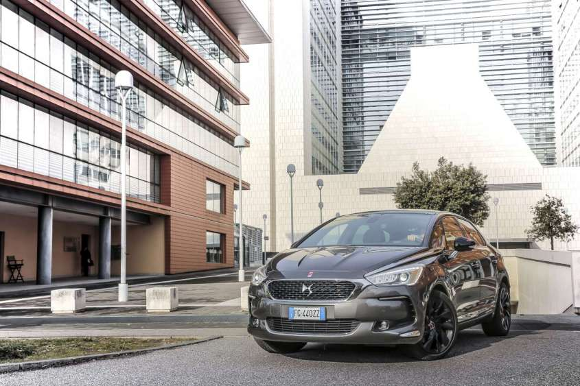DS 5 Performance Line, prova su strada