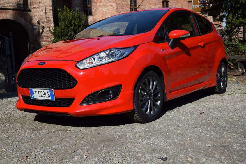 ford fiesta st line 2017 prezzo scheda tecnica e prova su strada della 125 cv foto allaguida. Black Bedroom Furniture Sets. Home Design Ideas
