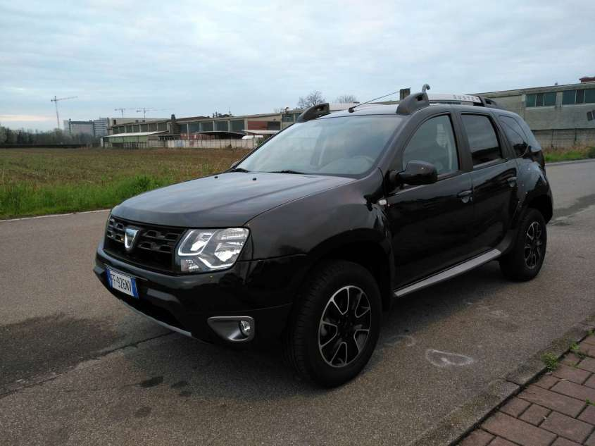 Dacia Duster Black Shadow GPL: prova su strada