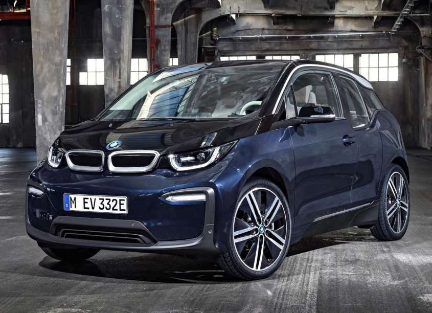 nuova bmw i3 2018 restyling per la piccola elettrica autonomia aumentata foto allaguida. Black Bedroom Furniture Sets. Home Design Ideas