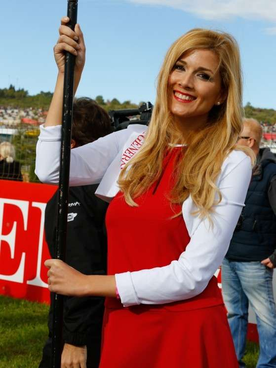 Umbrella girls MotoGP Valencia 2014
