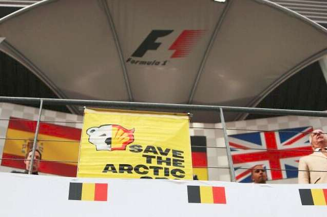 La protesta di Greenpeace a Spa-Francorchamps