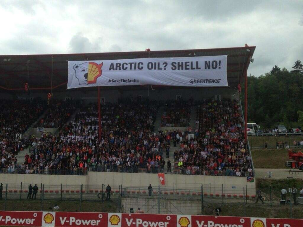 La protesta di Greenpeace a Spa-Francorchamps (3)