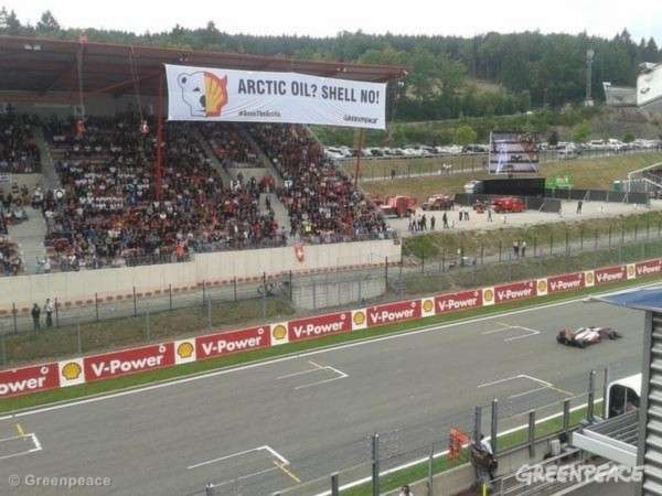 La protesta di Greenpeace a Spa-Francorchamps (13)