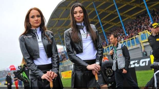 grid girls ad Assen