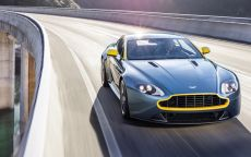Aston Martin Vantage N430: coupé o roadster? Sicuramente 436 CV [FOTO e VIDEO]