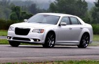 Chrysler 300 e Dodge Charger: richiamo di 120.000 esemplari in America