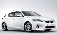 Lexus CT 200h e IS, debutto al Salone di Parigi 2010