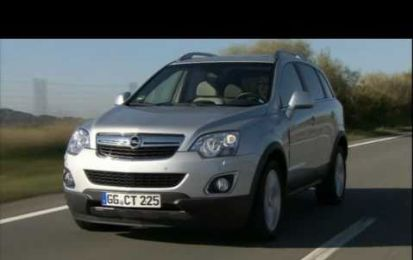 Opel Antara model year 2011, video