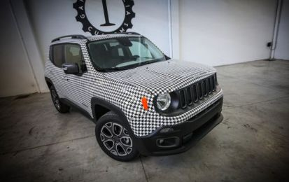 Jeep Renegade pied de puole: all'asta per beneficenza a Ginevra [FOTO]