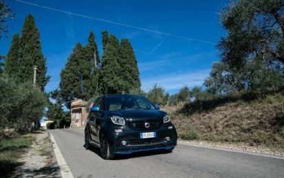 smart green power run: lungo la Toscana con la smart EQ fortwo elettrica