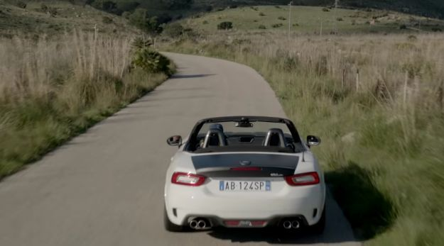 Abarth 124 Spider bicolore web conference