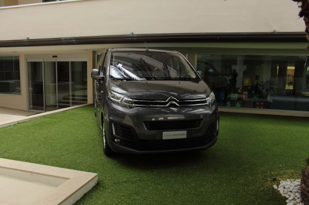 Citroen SpaceTourer Design