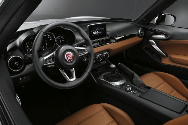 Fiat 124 Spider 2016 interni