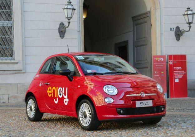 Fiat 500 Enjoy car sharing Milano