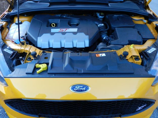 Ford Focus ST motore