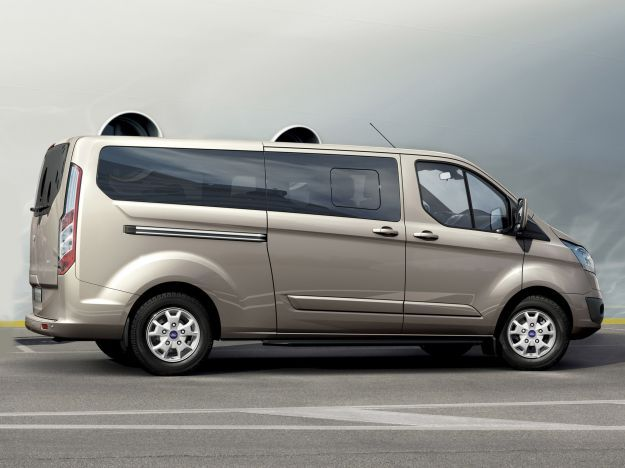 Ford Tourneo Custom, mole generosa