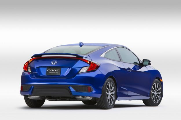 Honda Civic Coupe 2016 tre quarti posteriore