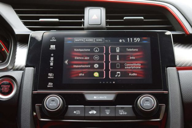 Honda Civic Type R infotainment