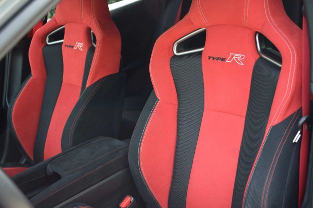 Honda Civic Type R sedili in Alcantara