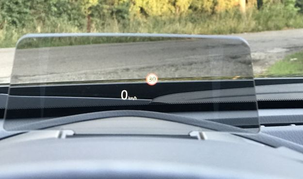 Mazda CX 3 1.5 D 105CV head up display