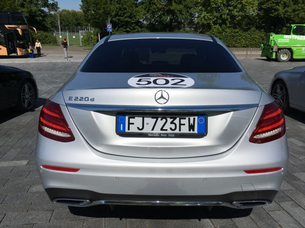 Mercedes E220d Tribute Ponton (17)