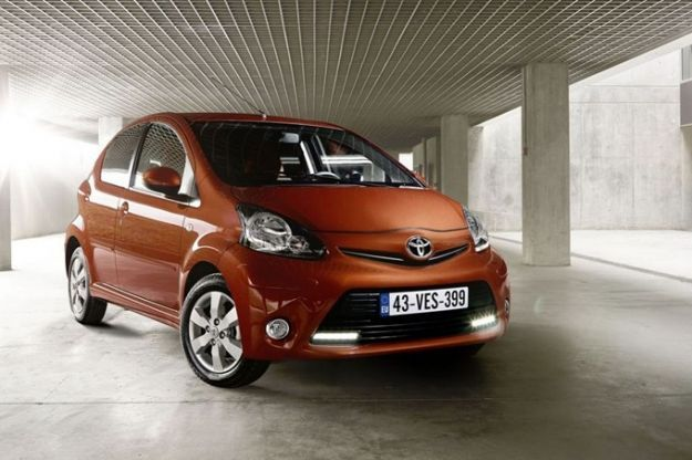 Toyota Aygo 2012, lieve restyling per la piccola giapponese [VIDEO]