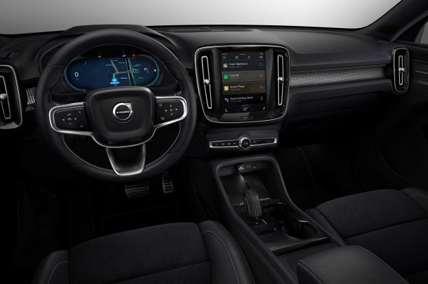 Volvo-CX-40-Recharge-infotainment-Google